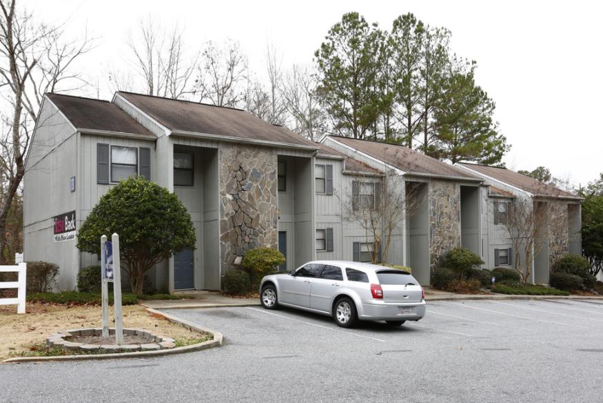 Whispering Woods Apartments:  Warner Robins, Georgia